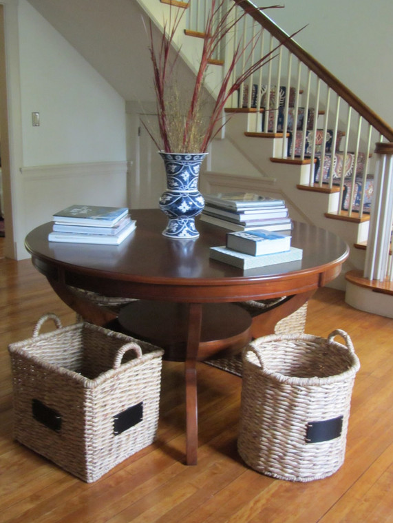 large round foyer table