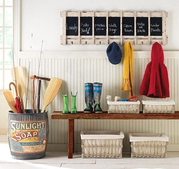 Mud room organization interesting ideas for home - Percheros de pared originales ...