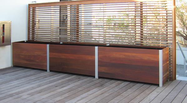 raised garden box liner