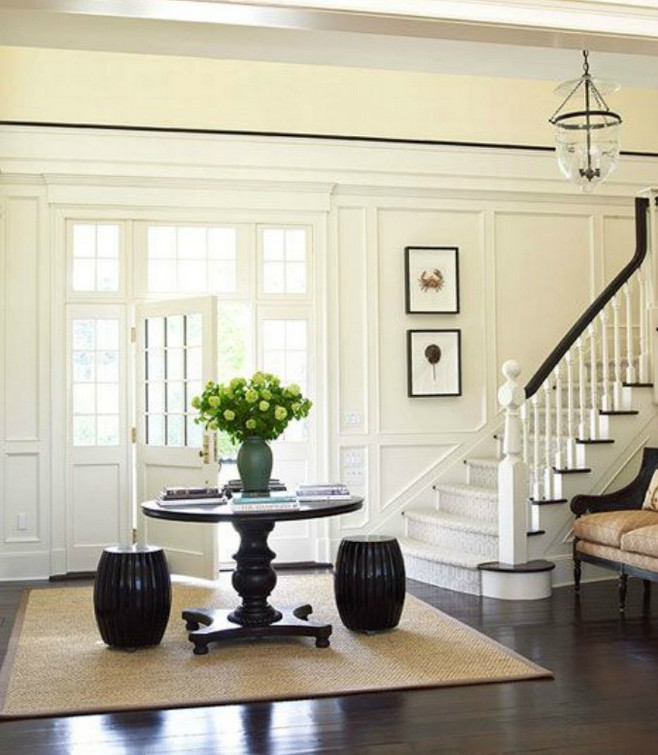 round foyer pedestal table
