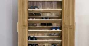 vertical wooden shoe rack