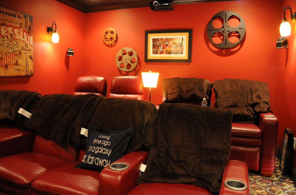 vintage home theater decor interesting ideas for home. Black Bedroom Furniture Sets. Home Design Ideas
