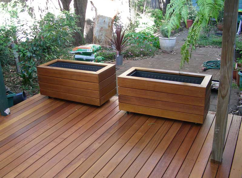 Vintage wooden planter boxes interesting ideas for home for Deck garden box designs