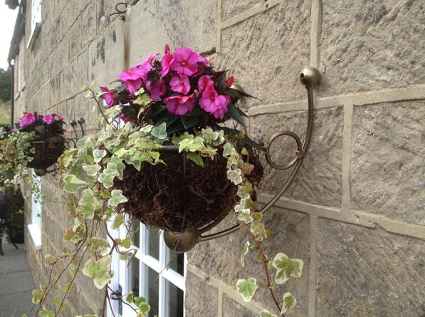 wall mounted flower basket