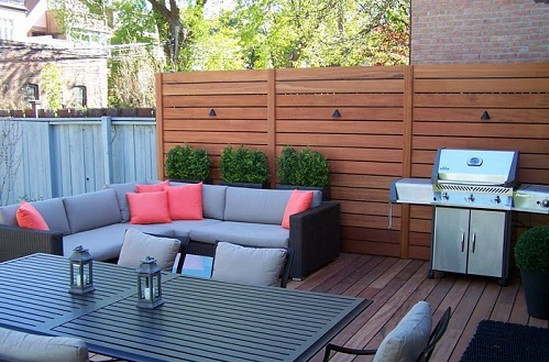 Deck With a Privacy Wall  4