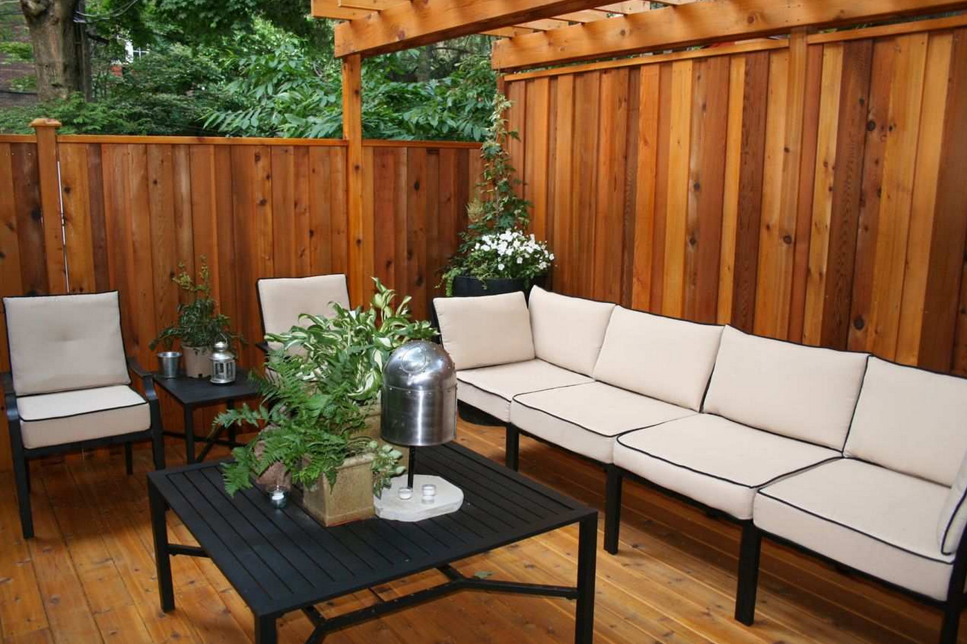 Deck with a privacy wall interesting ideas for home for Small backyard privacy ideas