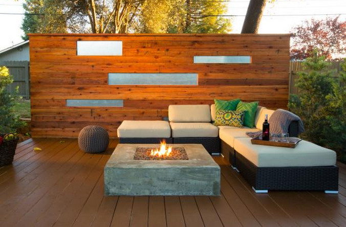 Deck With a Privacy Wall  7