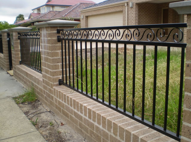 Iron Gates and Fences Designs   2