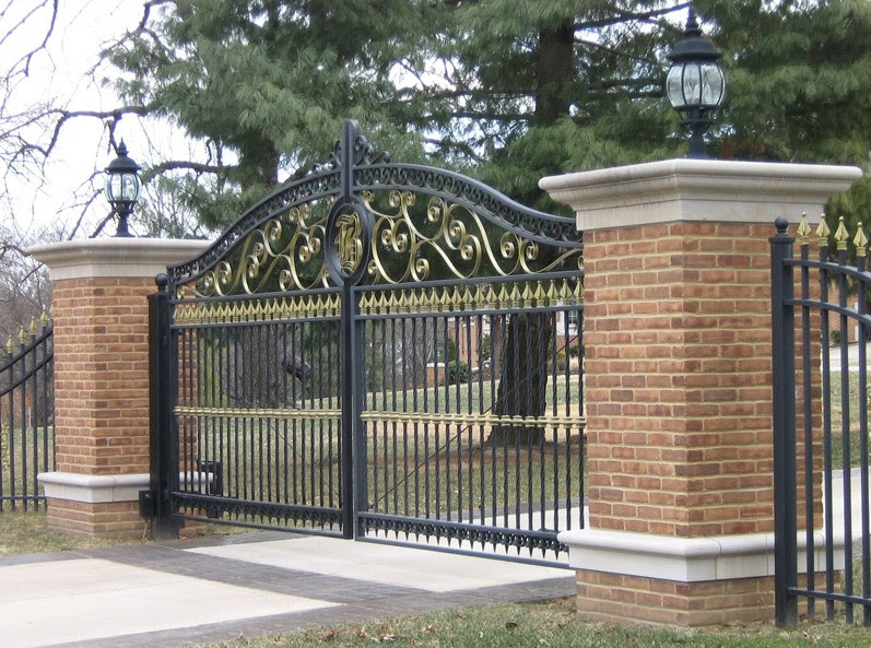 Iron Gates and Fences Designs  7