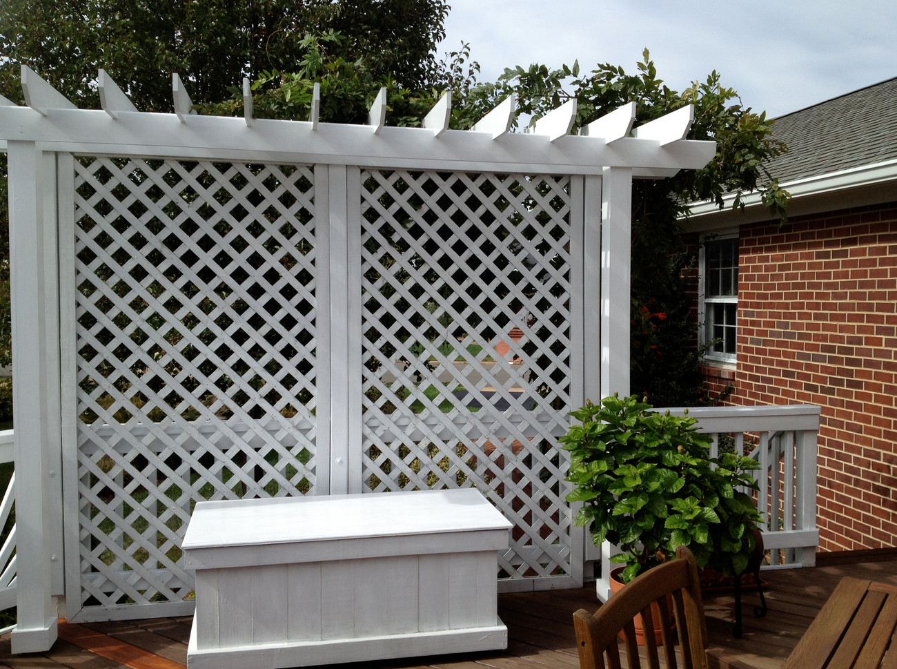 Lattice privacy screen for deck interesting ideas for home for Lattice screen fence