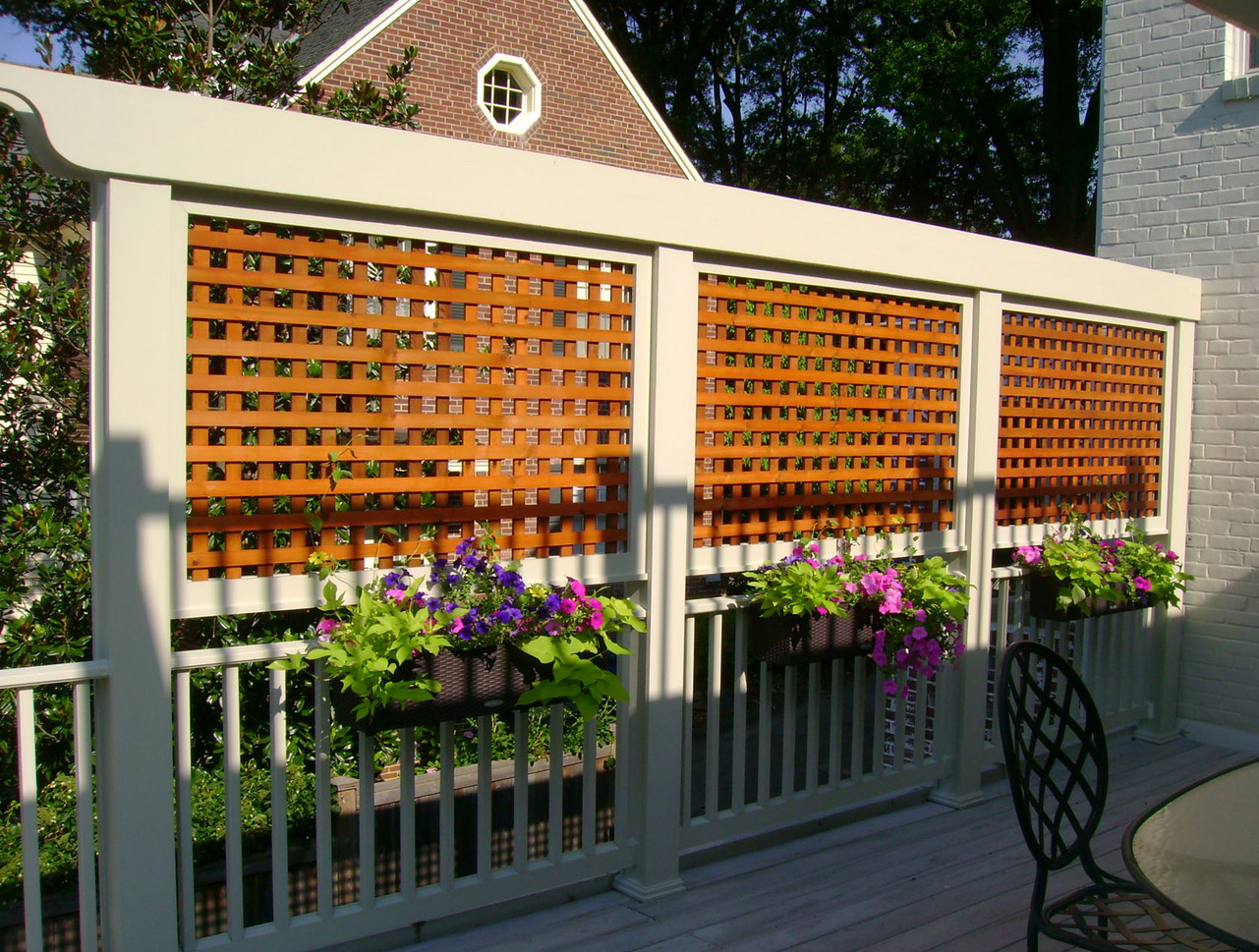 Lattice Privacy Screen for Deck5