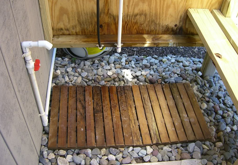 Outdoor Shower Drainage Ideas9