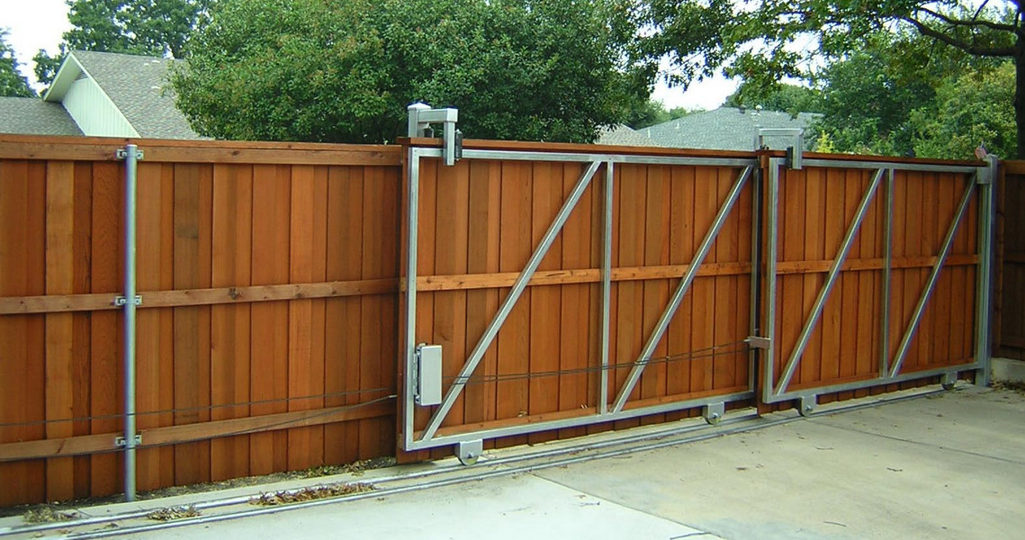 Wood Privacy Fence Gates  5